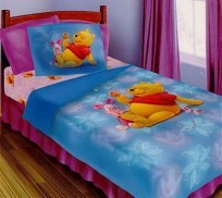 Twin/Full Pooh-Piglet 4PC Comforter Set