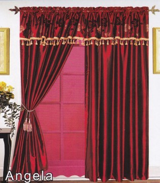 Angela 4PC Curtain Set Burgundy