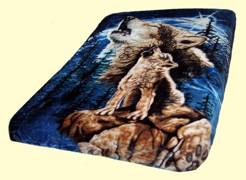 Luxury Queen Howling Wolves Mink Blanket